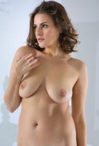 Шлюха с большой грудью